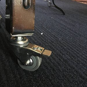 Rear Lockable Castors Fitted.JPG